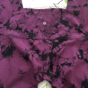 Lululemon Tie dye HR 7/8 leggings size 6!